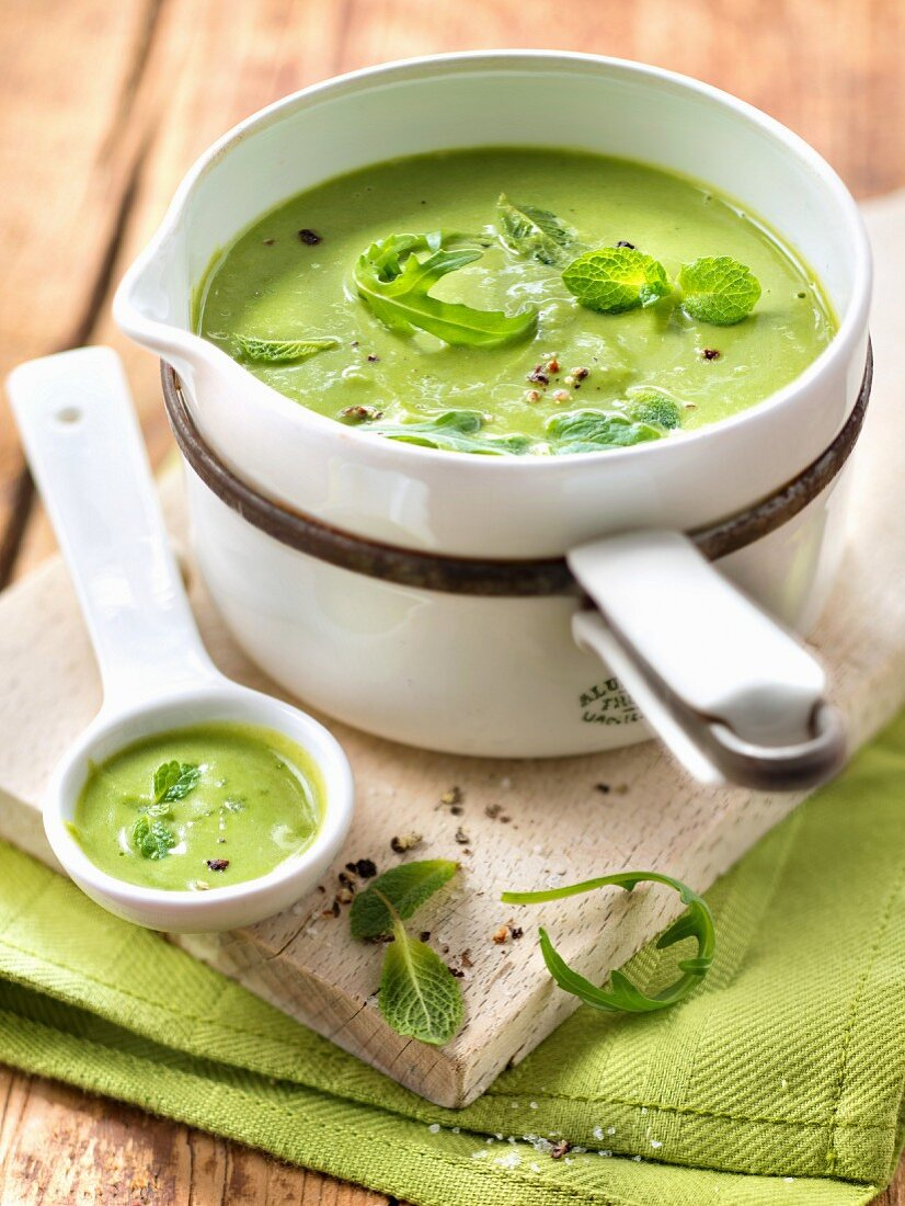 Cream of pea,rocket lettuce and mint soup