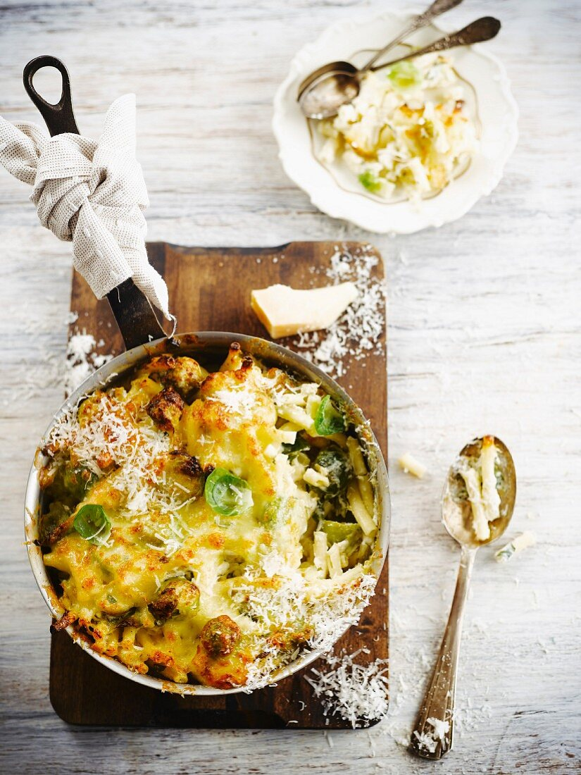 Macaronis,Brussels sprout and parmesan gratin