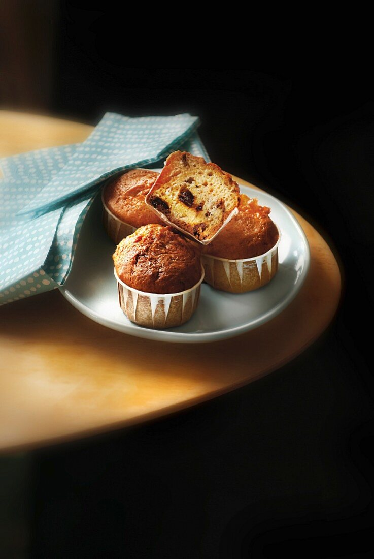 Black olive and sun-dried tomato muffins