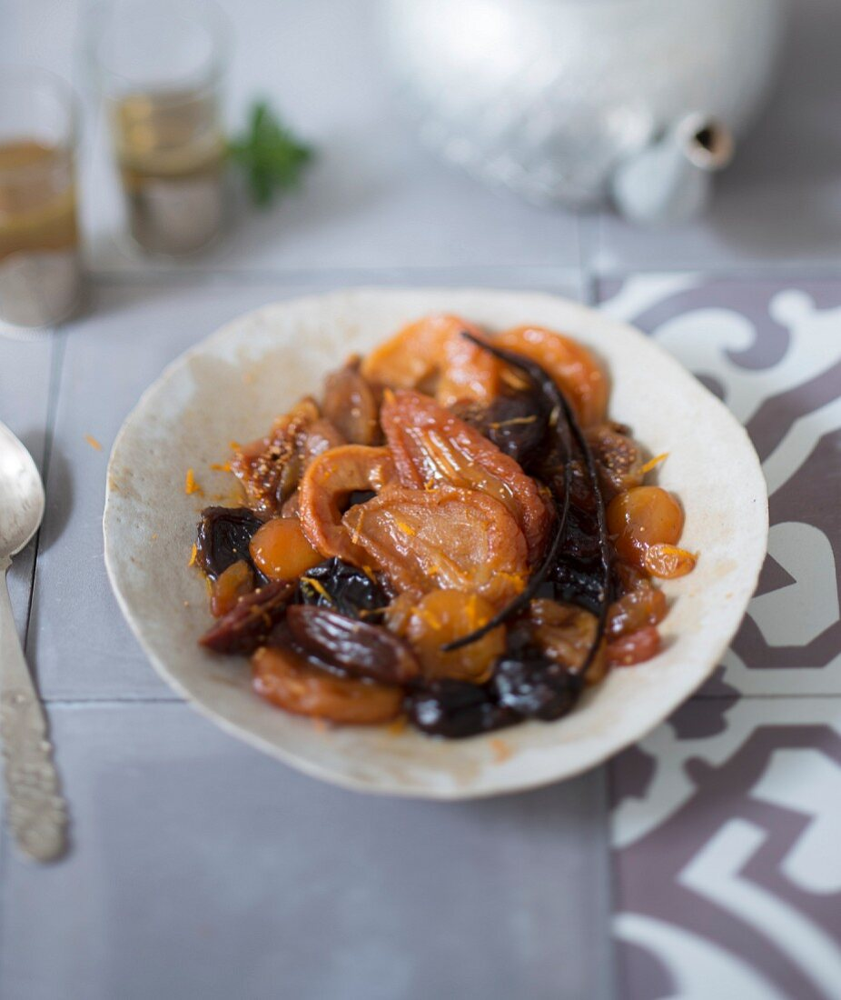 Dried fruit, orange and vanilla tajine
