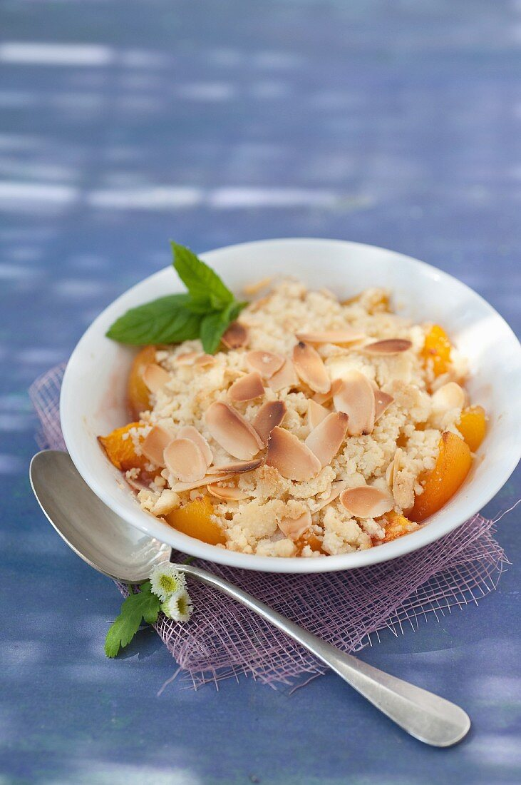 Peach and apricot almond crumble
