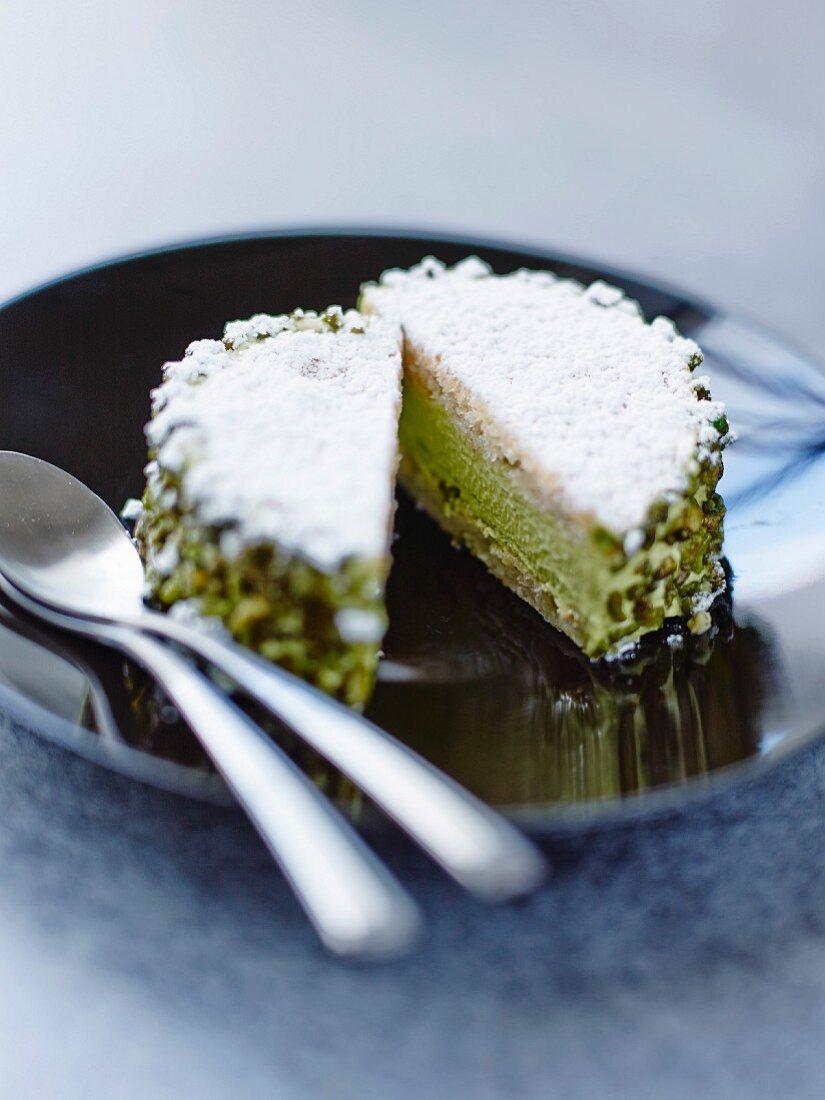 Fragilité Pistache (meringue cake with pistachio cream, Paris)