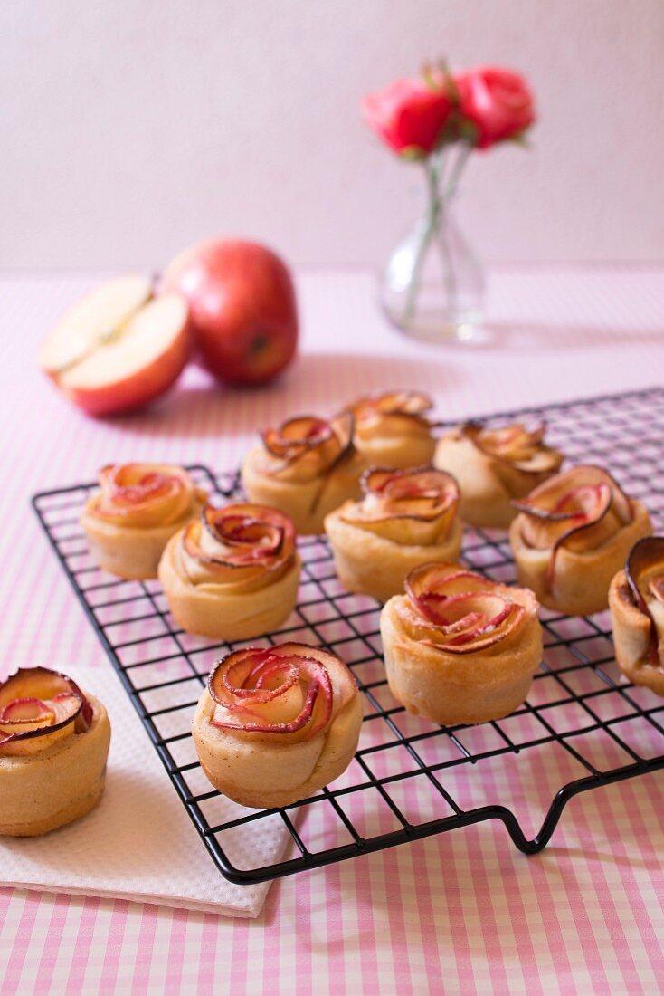 Flower-shaped apple tartlets