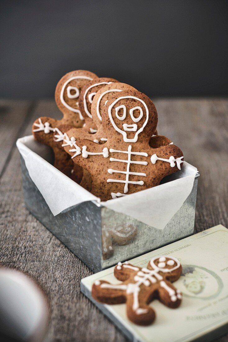 Gingerbread skeleton men
