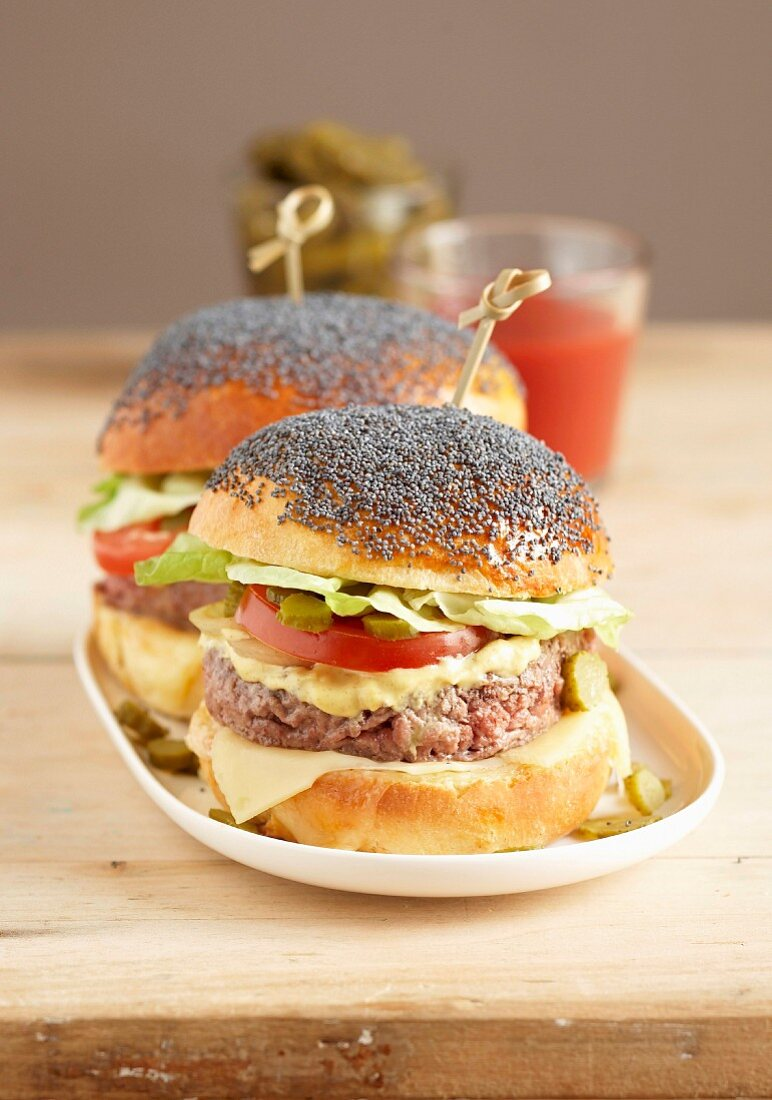 Poppyseed hamburger