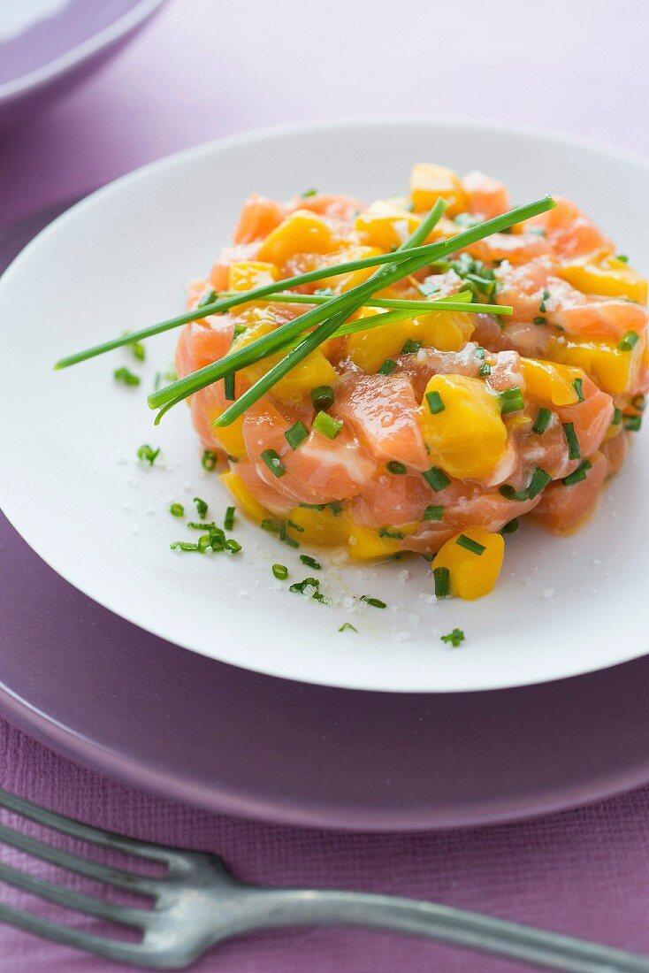 Pastis marinated salmon, mango and chive tartare