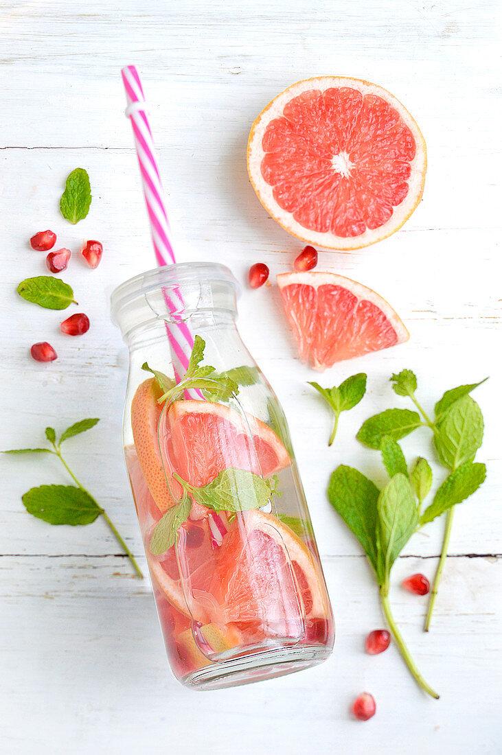Grapefruit, pomegranate and mint detox water