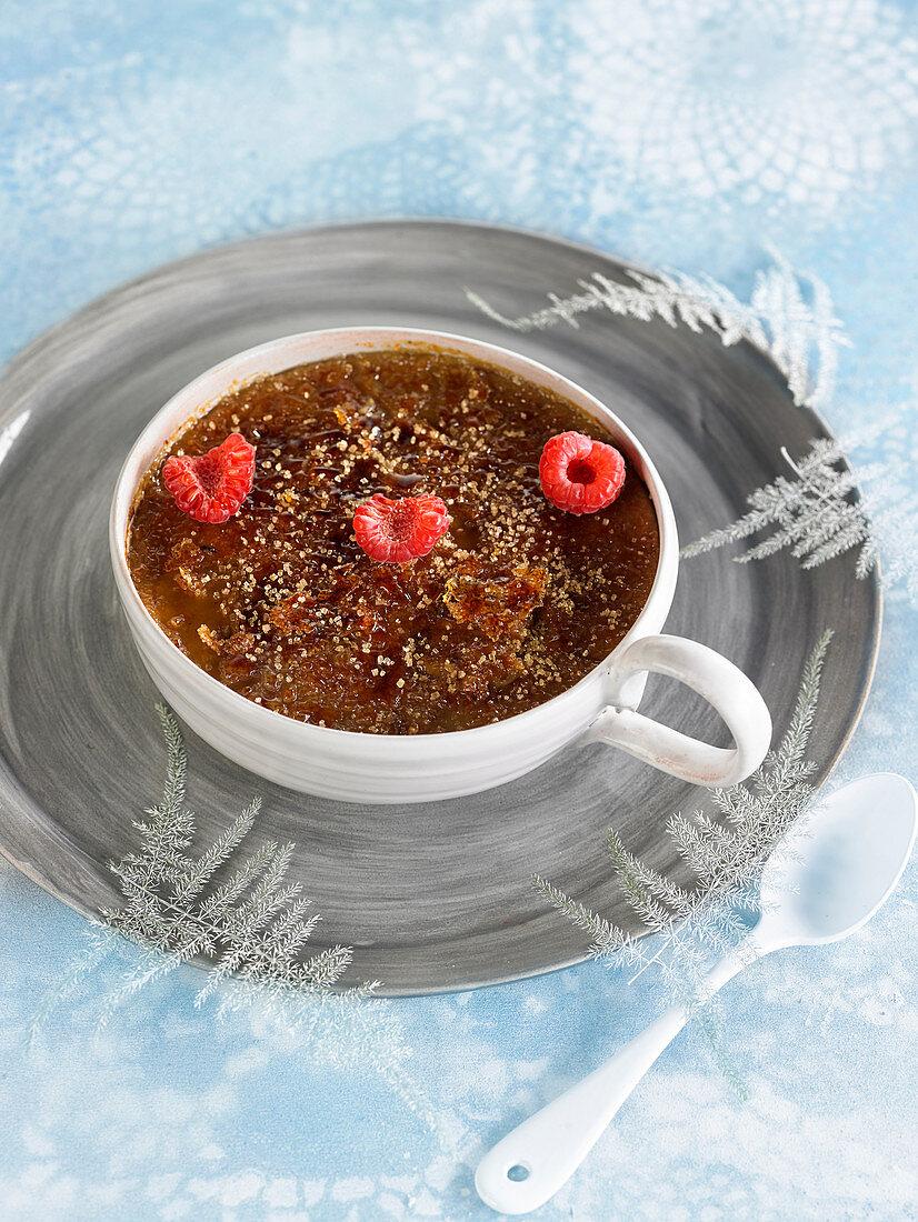 Spicy Crème brûlée with fresh raspberies