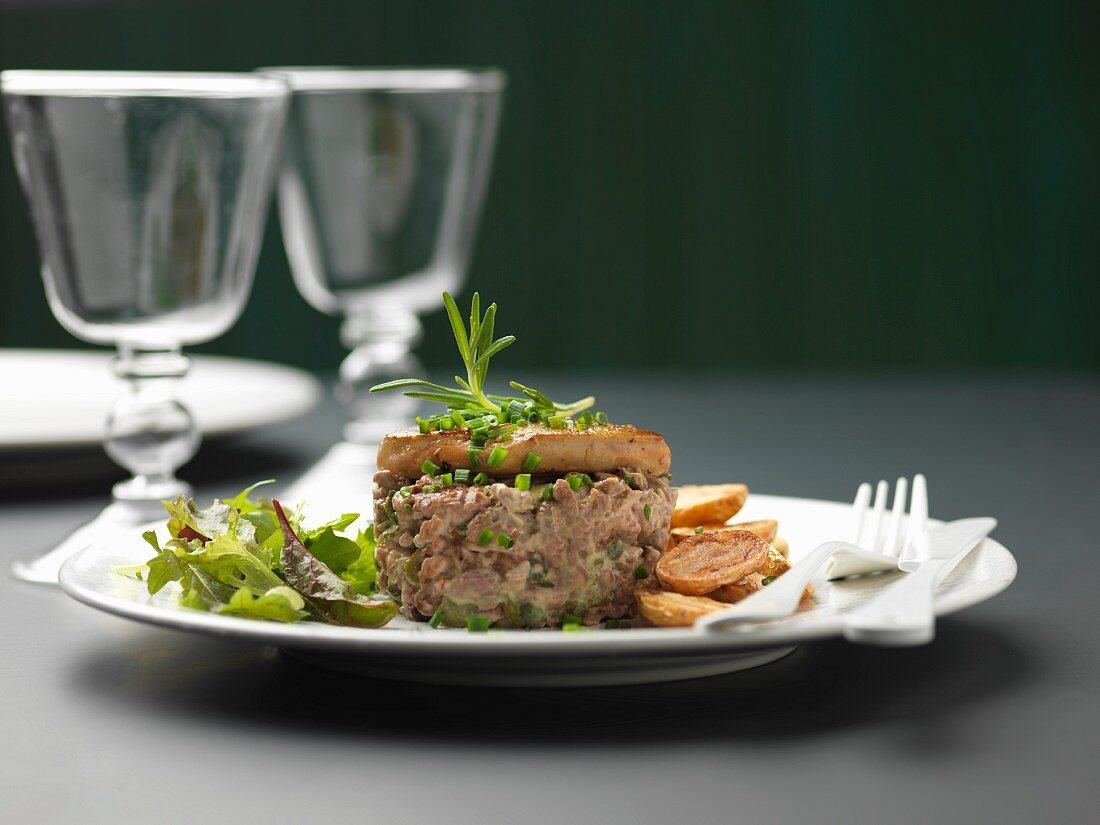 Duck tartare with pan-fried foie gras, potatoes à la salardaise
