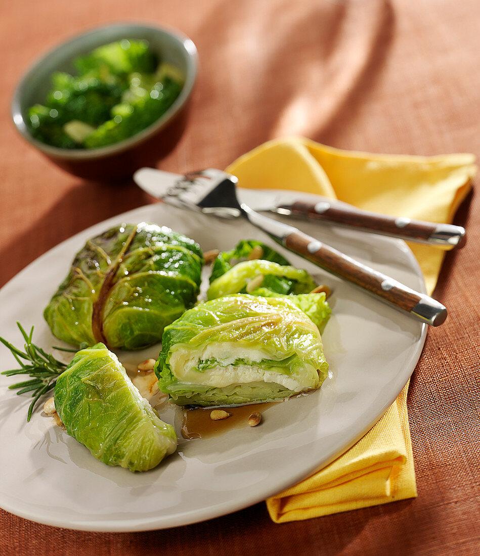 Crottin de Chavignol and cabbage parcels