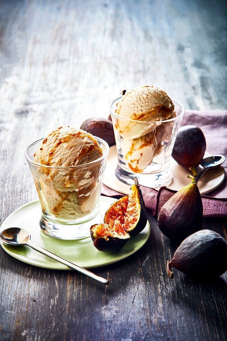 Fig ice cream with toffee sauce