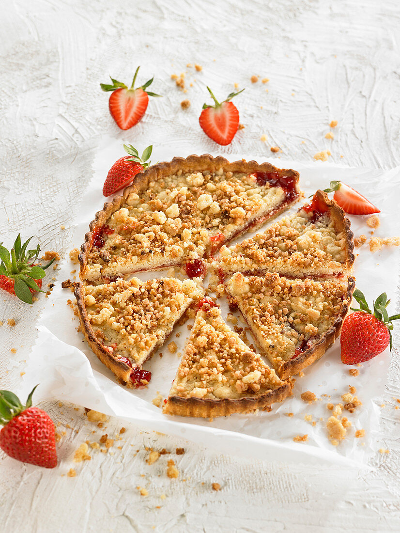 Crumble Style-Strawberry Almond Flower Tart