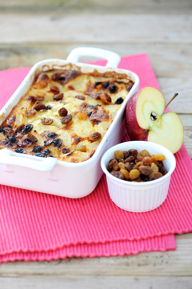 Apple,pear and raisin batter pudding