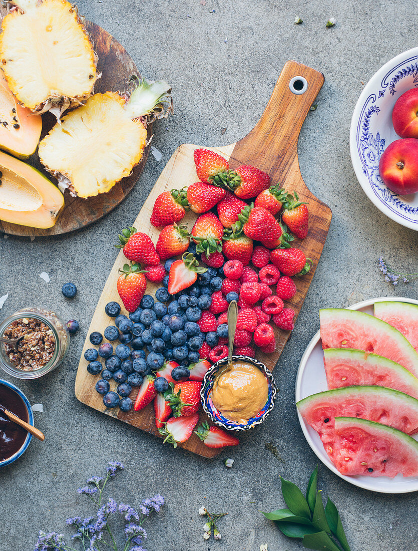 Platter of fresh fruit ,chocolate and toffee sauces