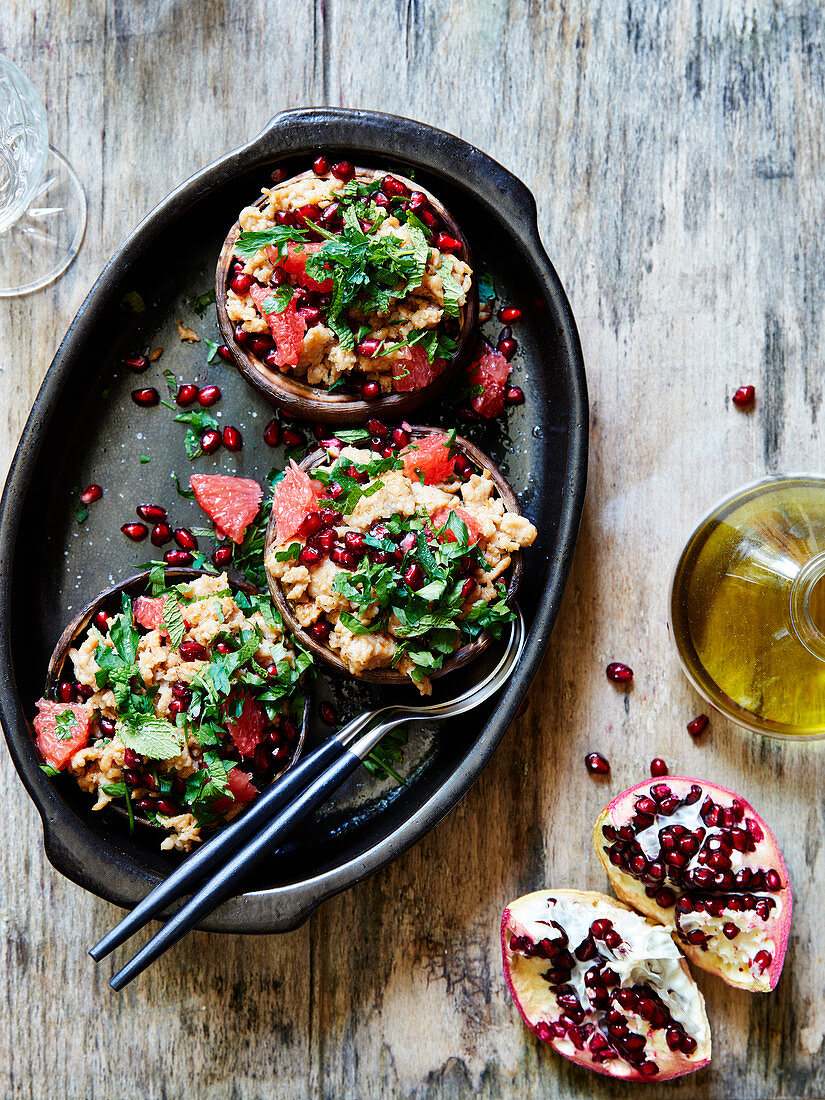 Pomegranate and Pink Grapefruit with Minced Veal
