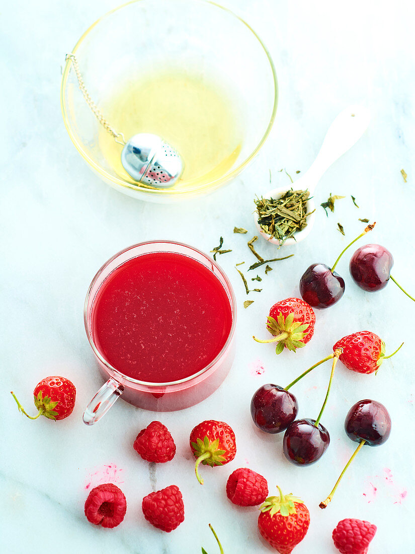 Red fruit cocktail with green tea