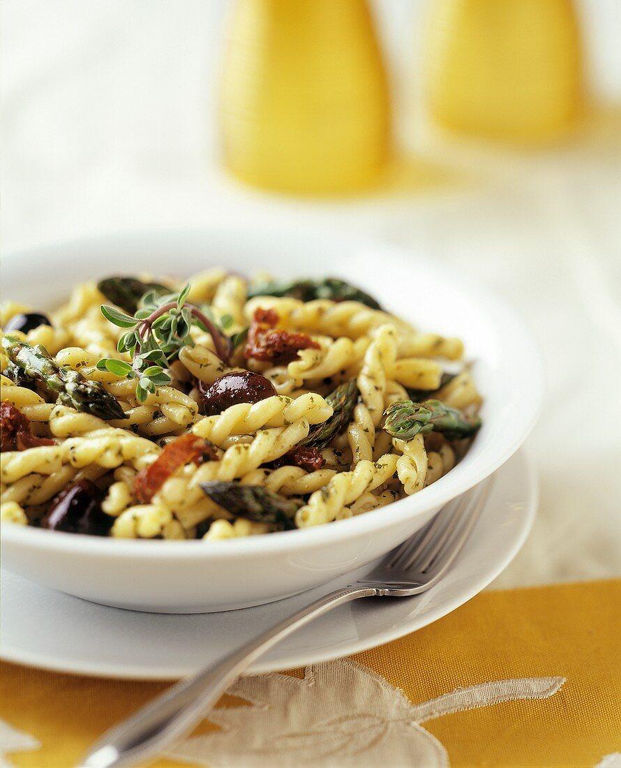 Pasta alla villana (Spiral pasta with dried tomatoes)