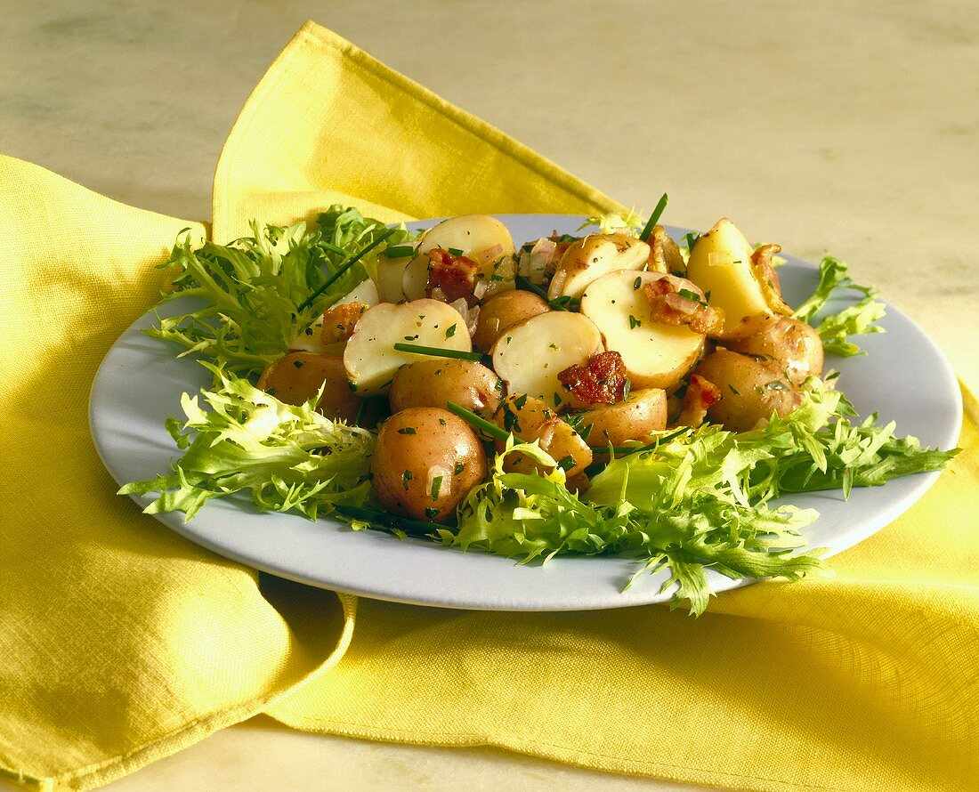 Potato salad with bacon and onions