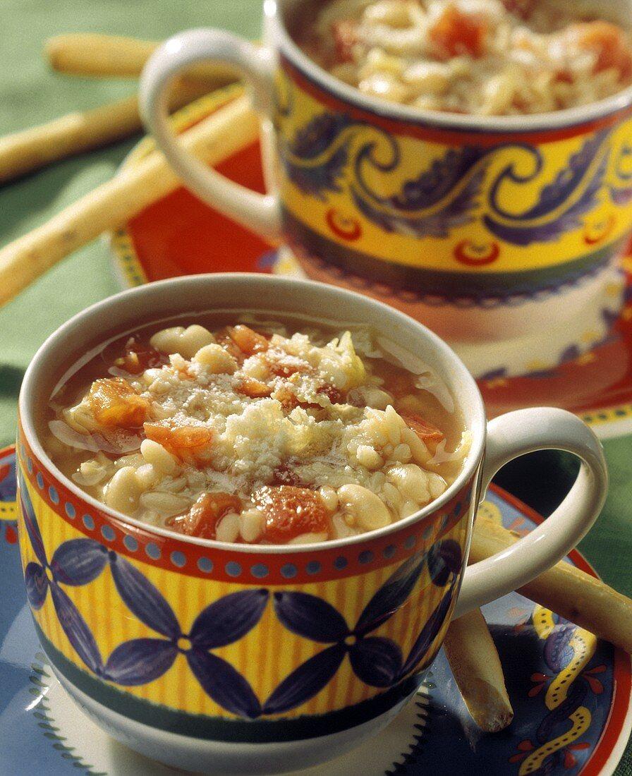 Zuppa di fagioli (Bean soup with tomato, pasta, Parmesan)