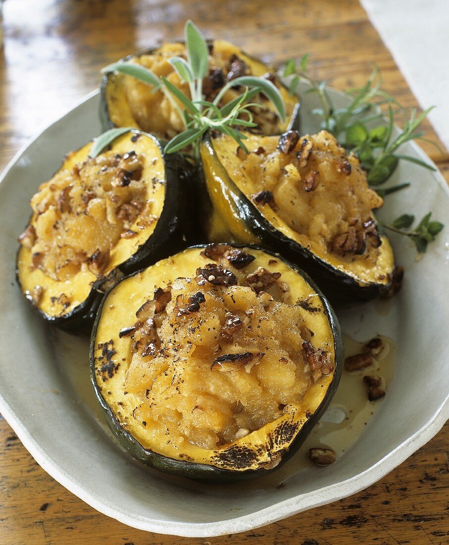 Stuffed acorn squashes