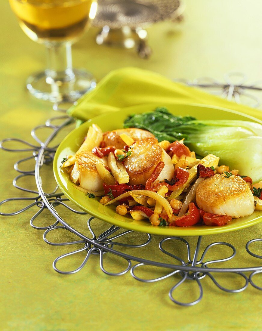 Scallop Stir Fry with Red Peppers and Baby Bok Choy