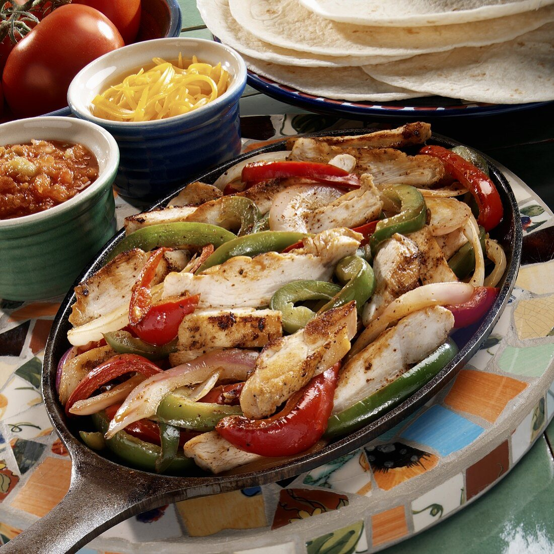 Strips of chicken with peppers (filling for fajitas)