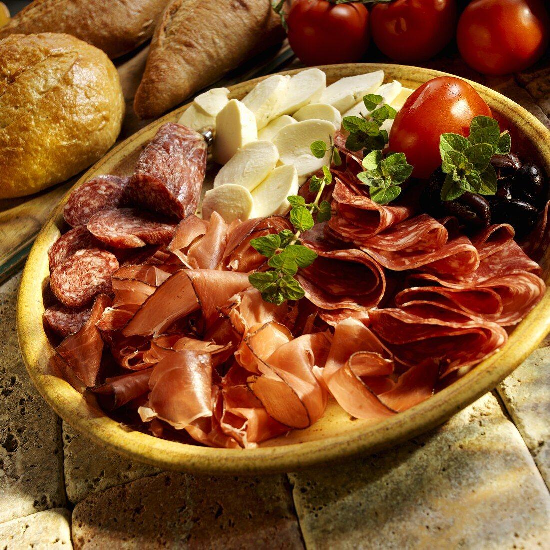 Antipasto di salumi e insaccati (meat platter with mozzarella)