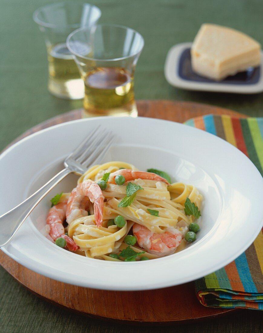 Fettuccine Alfredo with Shrimp and Peas