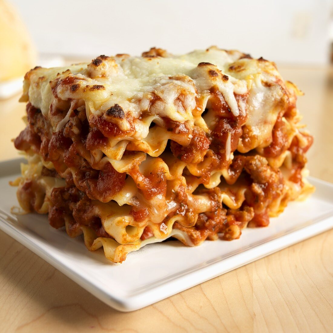 Lasagne al forno (Pasta bake with béchamel and meat sauce)