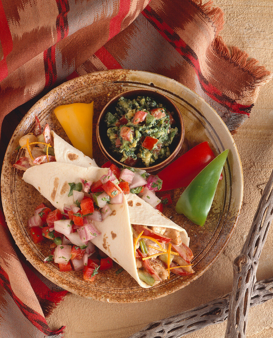 Chicken Fajita with Fresh Salsa and Guacamole