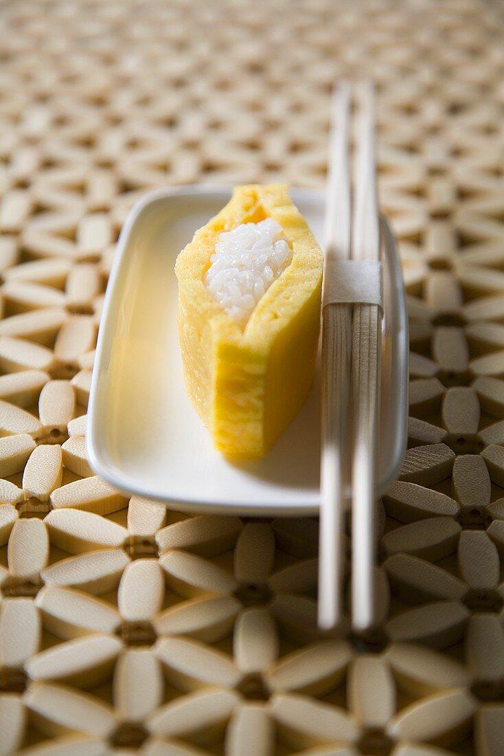 Omelette sushi