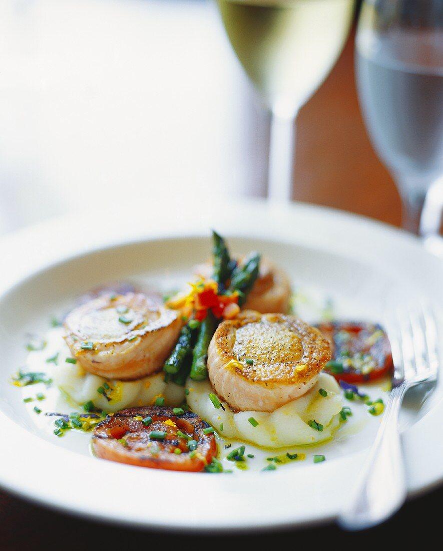 Sauteed Sea Scallops with Asparagus