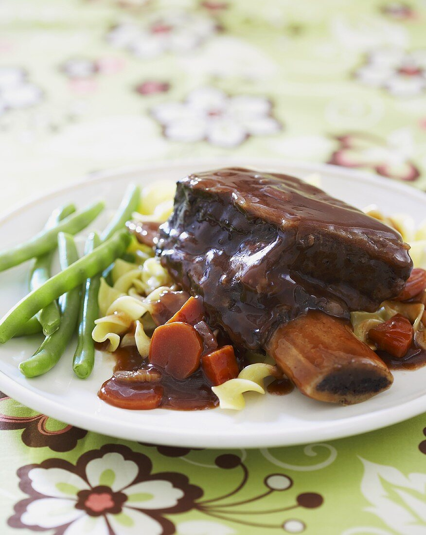 Short Ribs Over Noodles with Green Beans