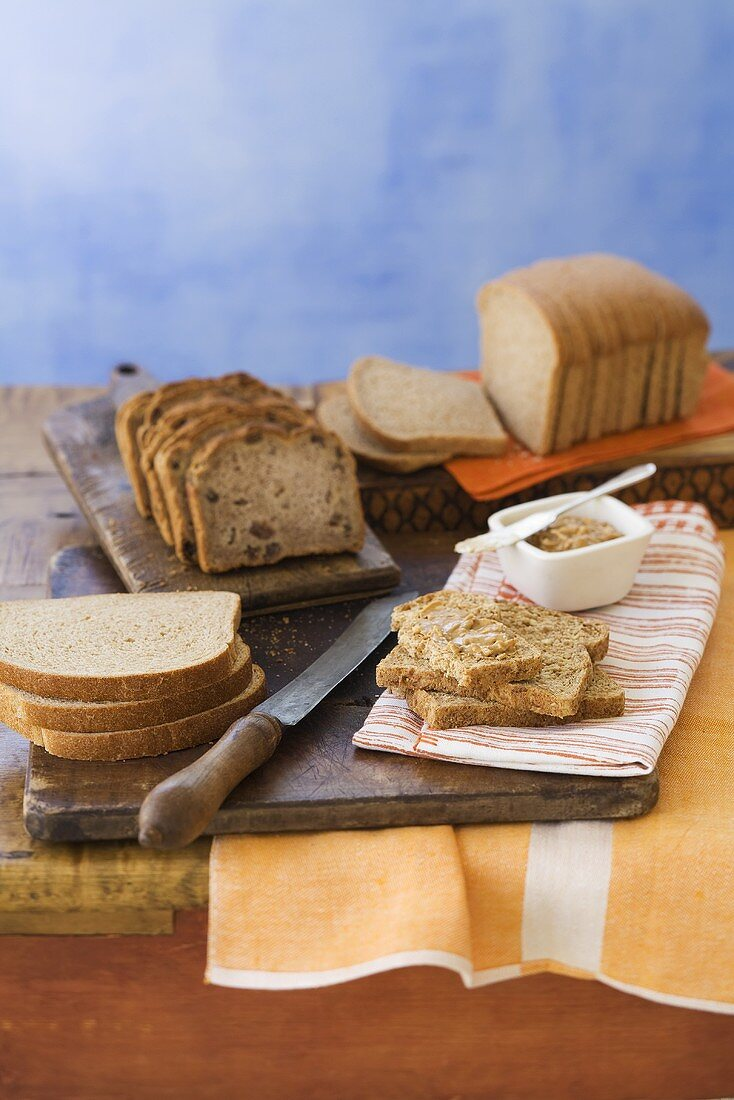 Assorted Sliced Bread, Slices with Spread