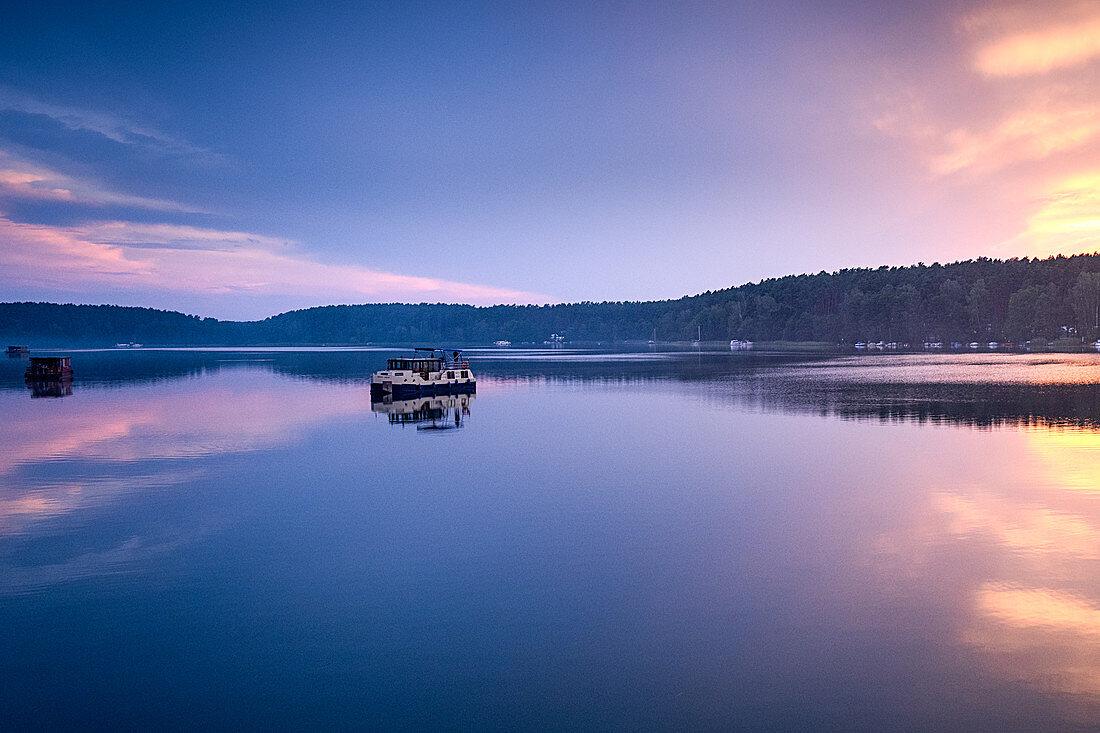 Hausboote auf dem kleinen Pälitzsee, Mirow, Mecklenburg-Vorpommern, Deutschland