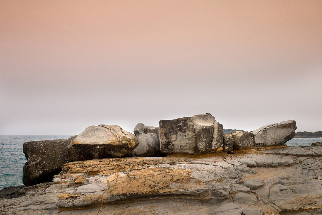 Felsformation am Turners Beach in Yamba, New South Wales, Australien