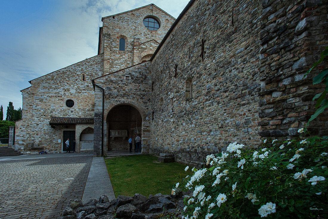 Die patriarchalische Basilika und das Baptisterium von Aquileia in der Region Friaul-Julisch Venetien, Norditalien, Italien