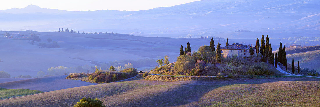 October morning at San Quirico d'Orcia, Tuscany, Italy, Europe