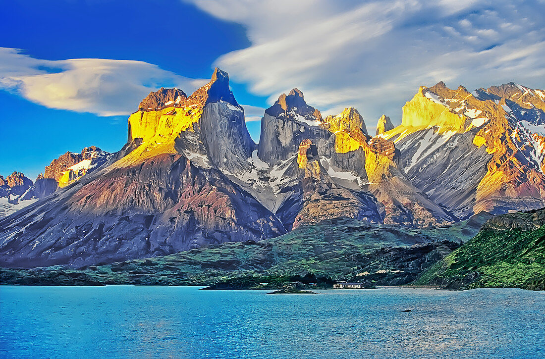Cuernos del Paine (Horns of Paine) and Lake Pehoe, Torres del Paine National Park, Chile, South America