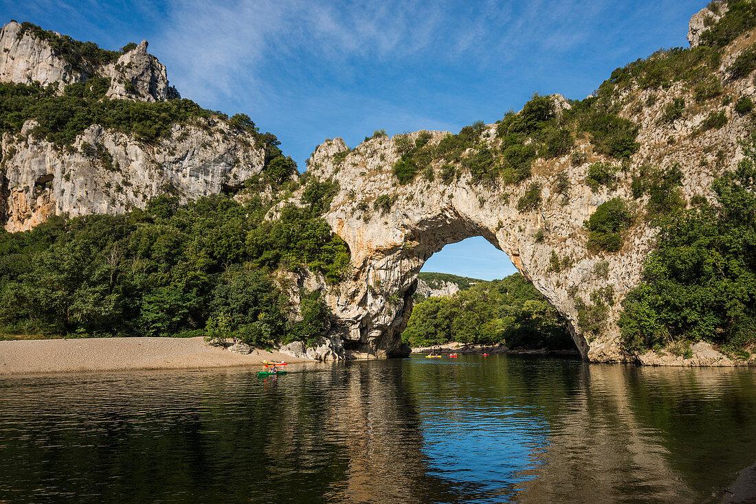 Pont d'Arc, Ardèche, Gorges de l'Ardèche, Vallon-Pont-d'Arc, Rhône-Alpes, France