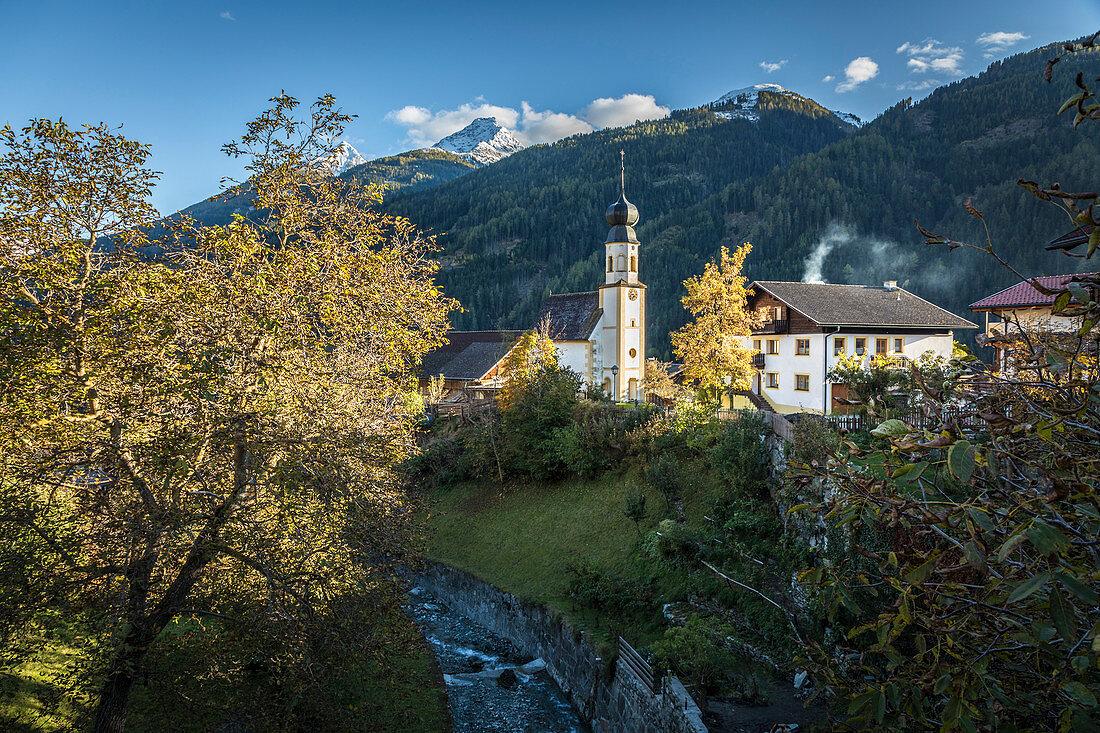 Mitteldorf im Virgental mit Kapelle zur Heiligen Magdalena, Osttirol, Tirol, Österreich
