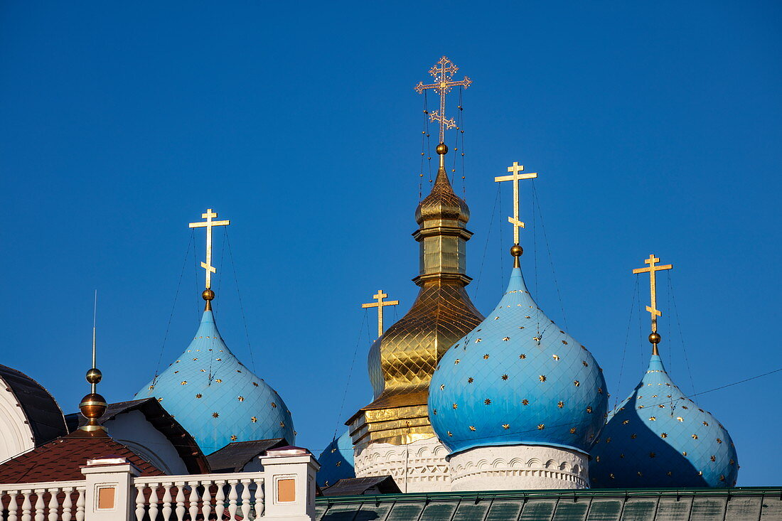 Blue domes of the Annunciation Cathedral of the Kazan Kremlin (the first Orthodox church of the Kazan Kremlin), Kazan, Kazan District, Republic of Tatarstan, Russia, Europe