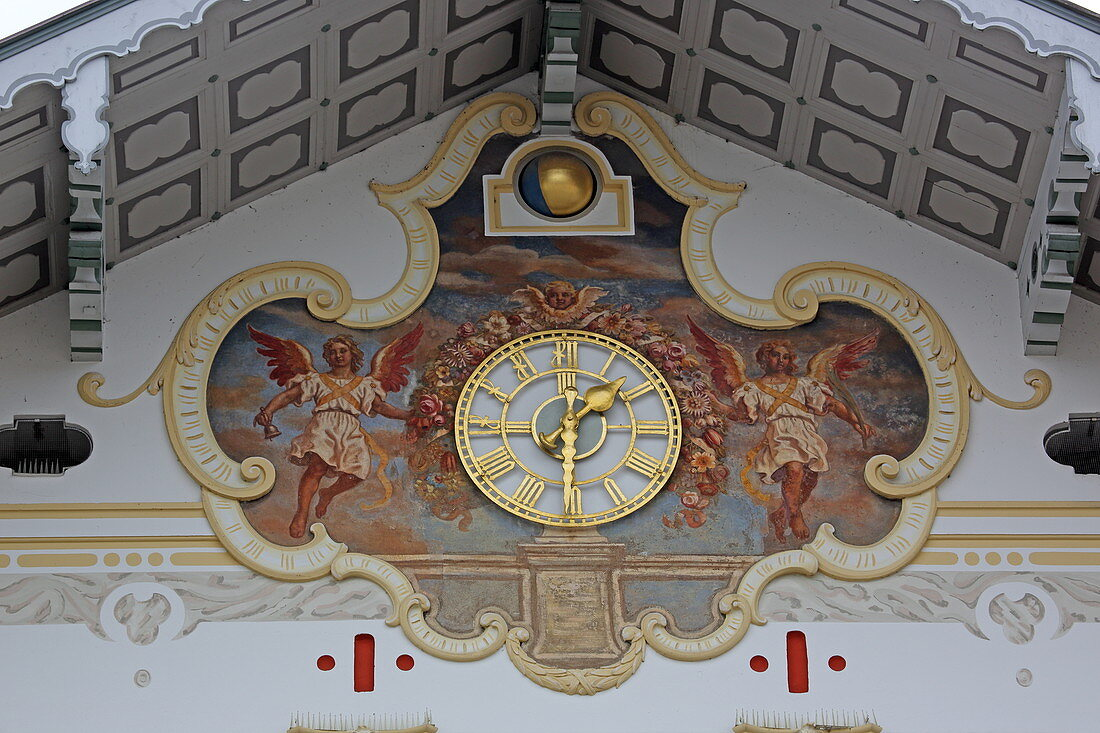 Facade of the city museum in the old town hall, Marktstrasse, Bad Toelz, Isarwinkel, Upper Bavaria, Bavaria, Germany