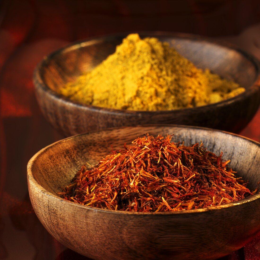 Curry powder and safflower threads (saffron substitute)