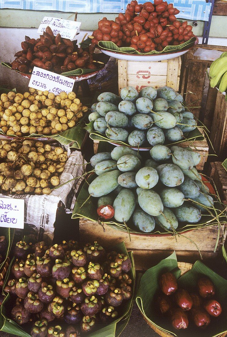 CLOSE-UP: Fruit Stall