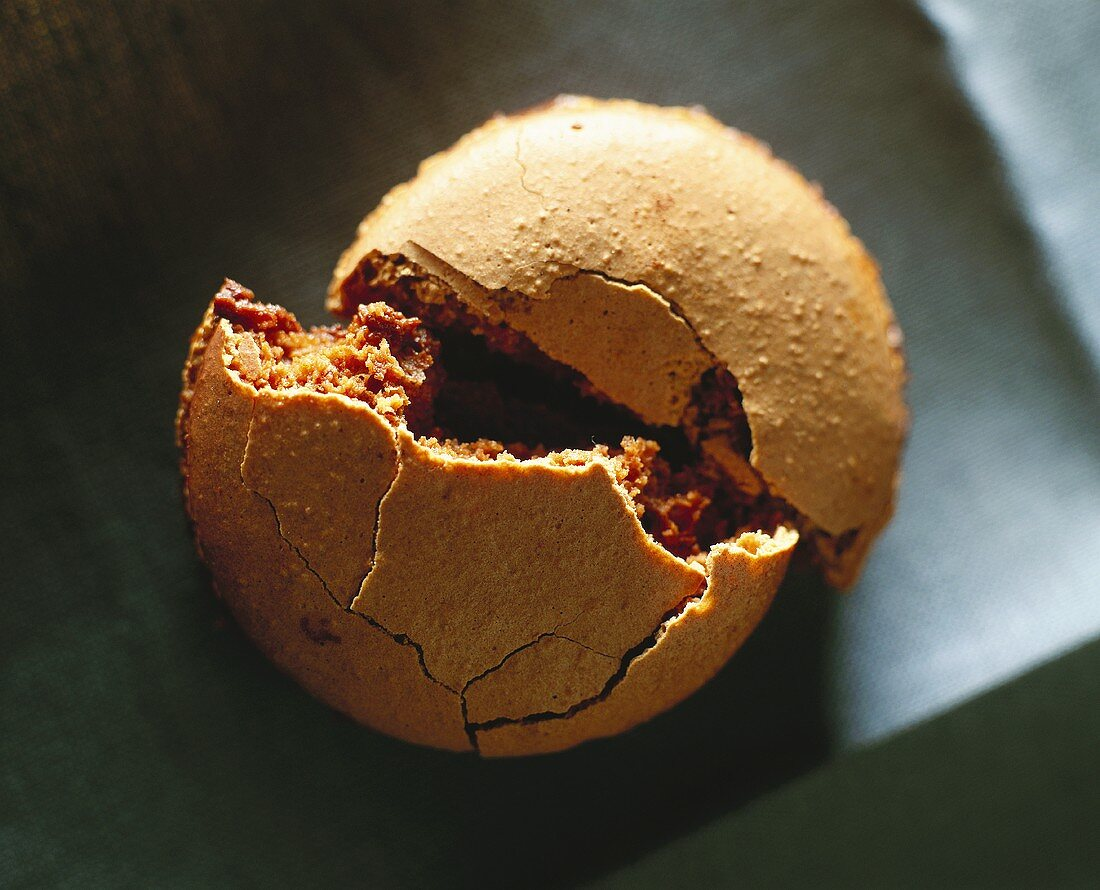 Chocolate-filled almond macaroon