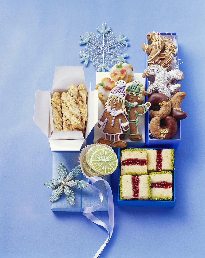 Christmas cakes and biscuits to give as gifts