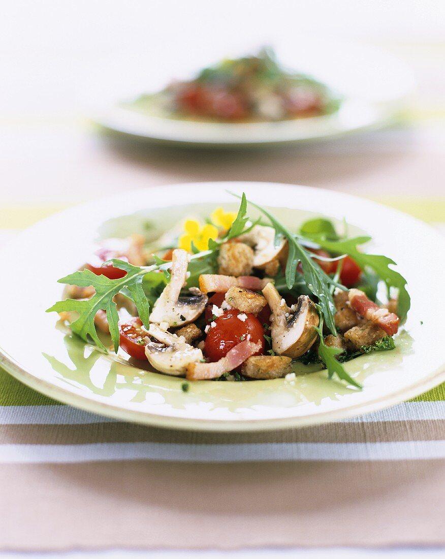 Rocket and mushroom salad with bacon