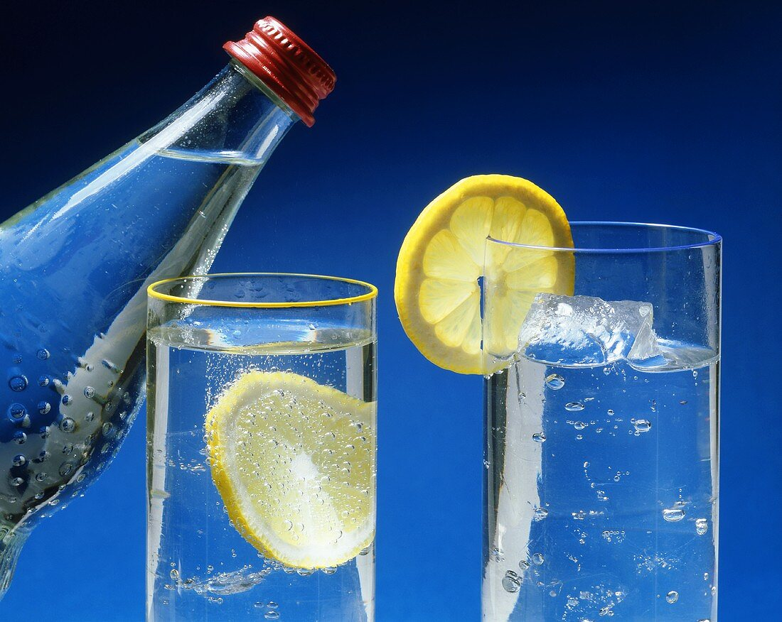 Sparkling mineral water with slice of lemon
