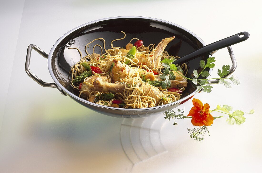 Guinea-fowl with egg noodles